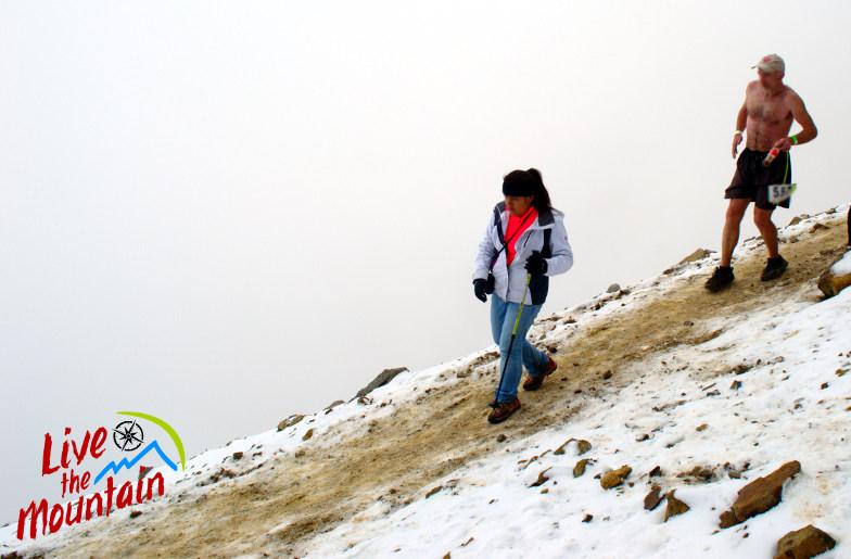 Mujer frío montaña